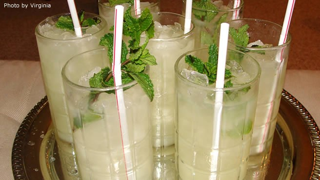 Mocktail(souce:allrecipes.com656 × 369)